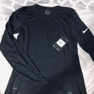 🖤Nike DRI-FIT shirt